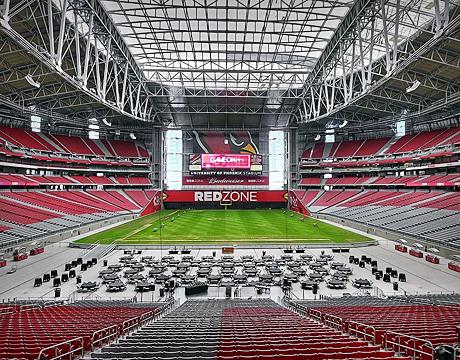 opulent design retractable roof. University of Phoenix Stadium s 500 000 square foot retractable roof  Image Michael D Martin Flickr Pro Sports Stadiums Raise the Roof