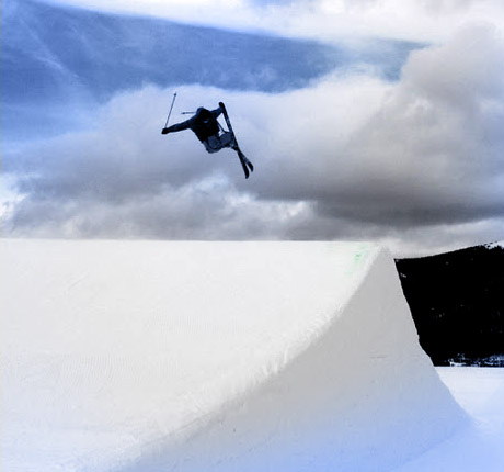 Young Entrepreneurs Shape Smart Skis - Early Career Engineers