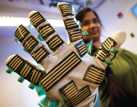 A Glove With an Objective Touch